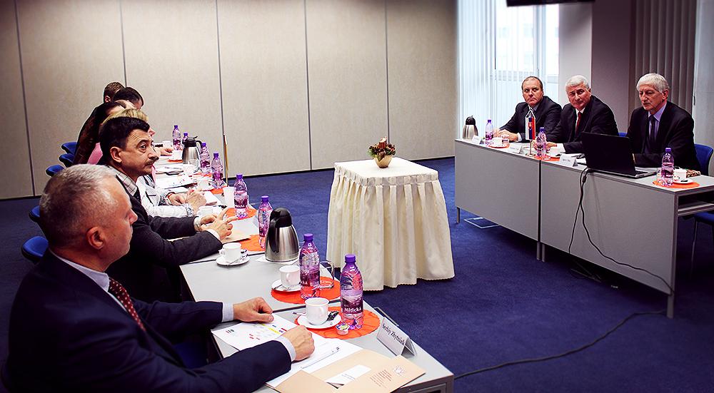 Podpredseda NKÚ SR prijal zástupcov GP a MV Ukrajiny