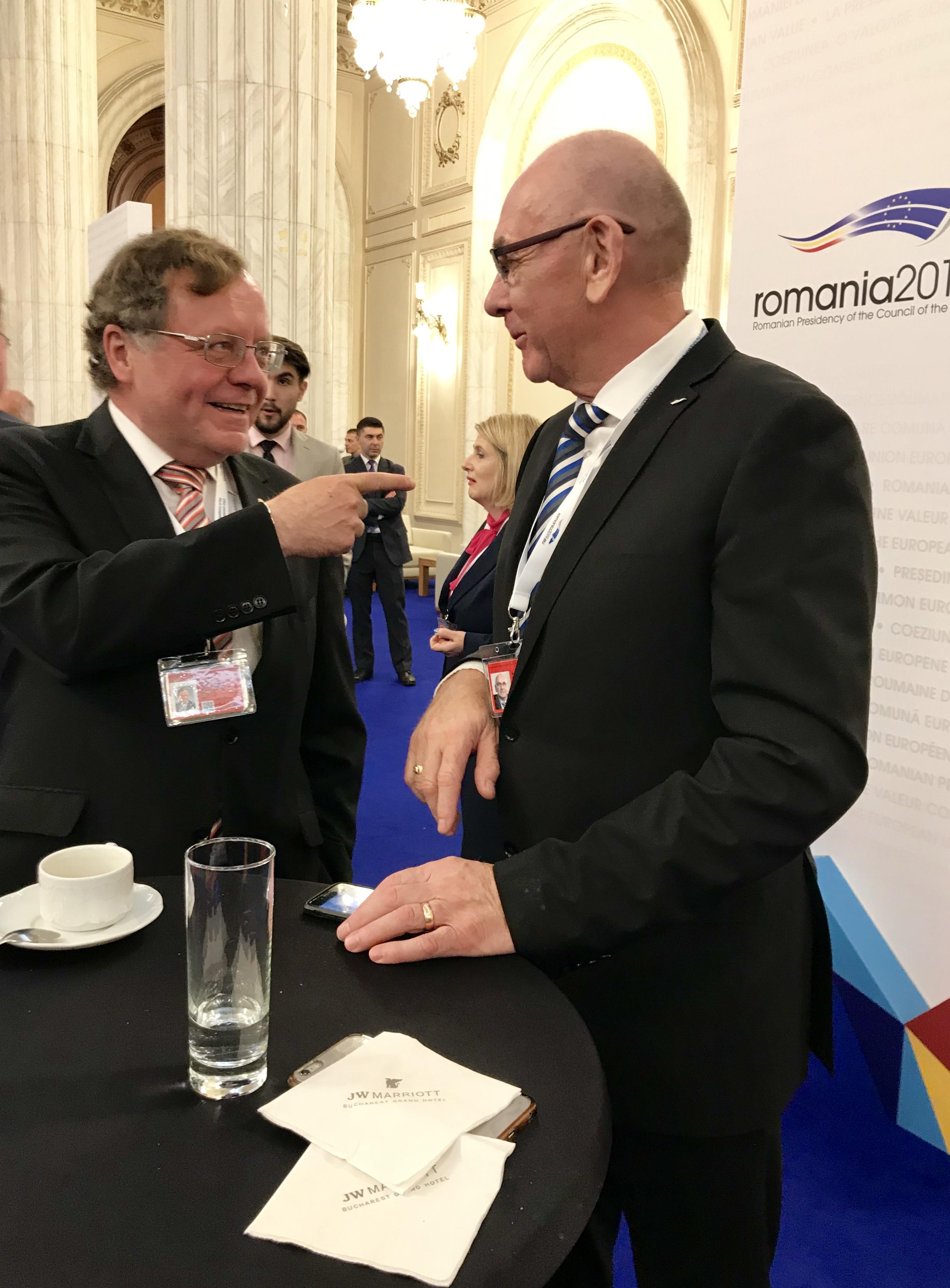 K. Mitrík, M. Kála - prezident NKÚ ČR
