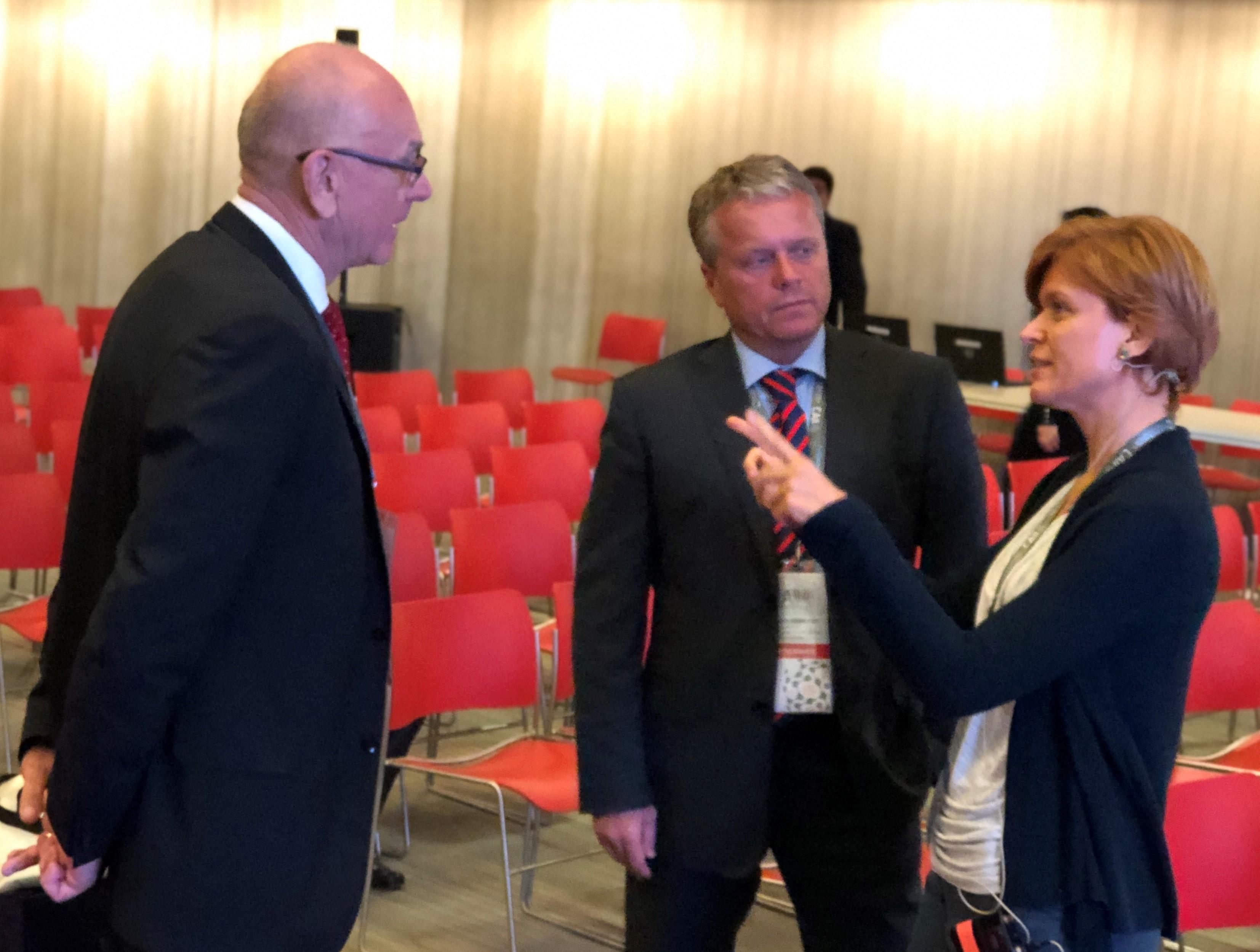 Predseda NKÚ K. Mitrík, generálny riaditeľ Ľ. Andrassy, a Z. Wienk
