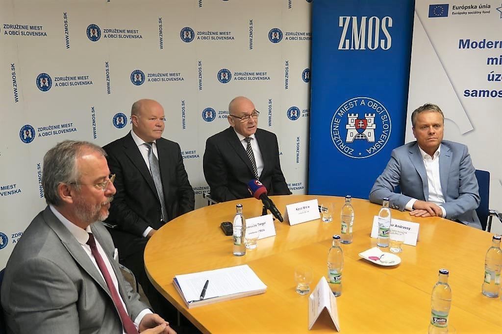Tlačová konferencia ZMOS a NKÚ 8.11.2019