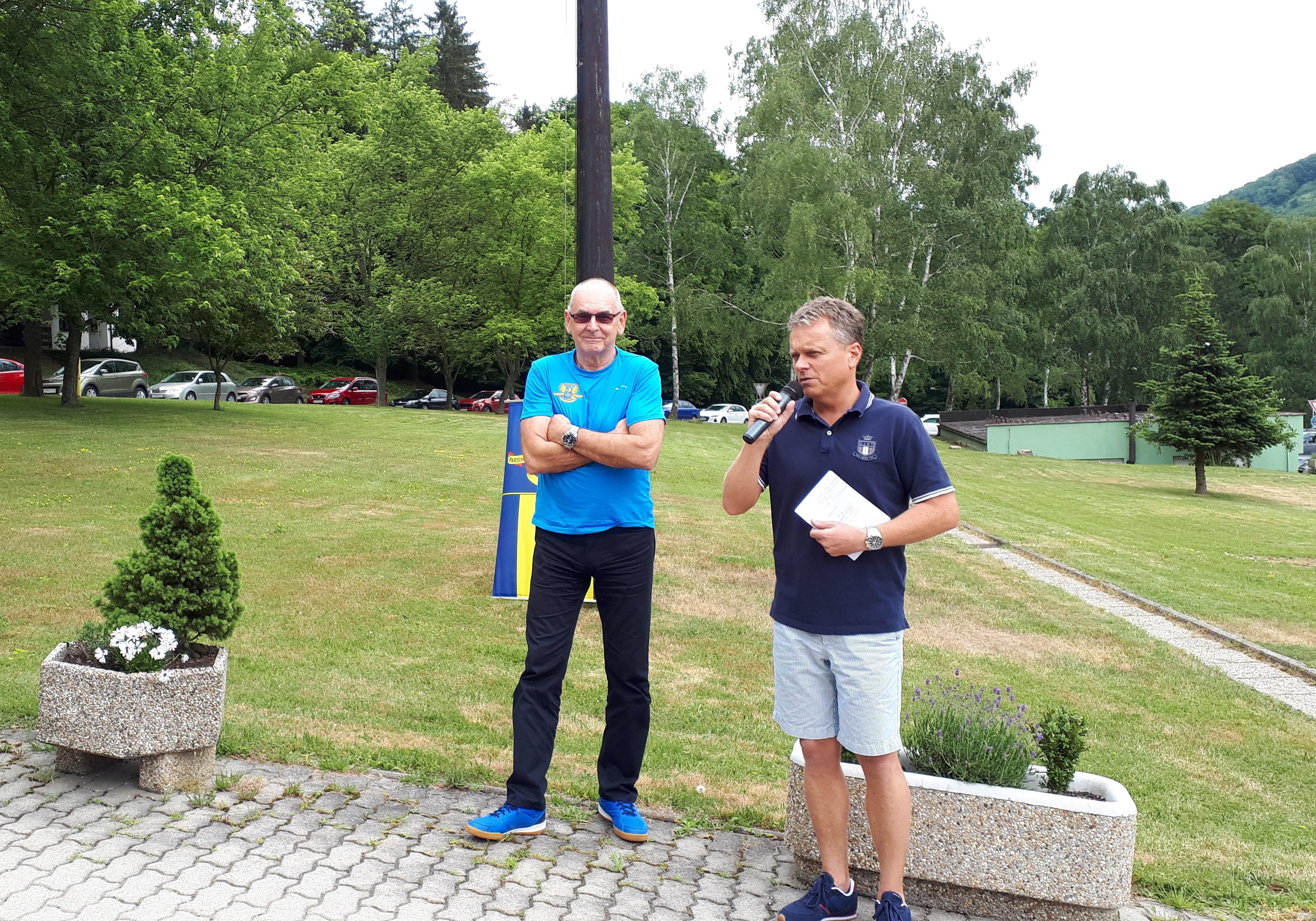 neformálne stretnutie s kolegami na športových dňoch NKÚ_2018