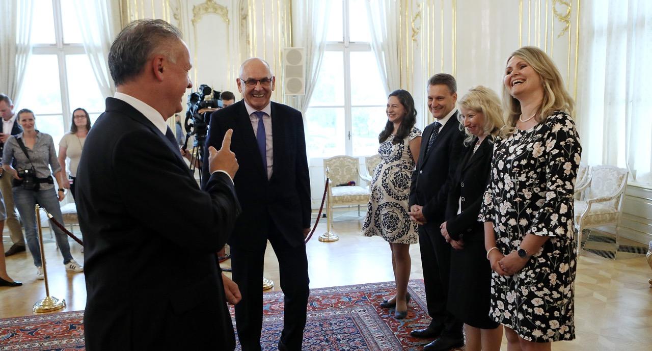 Prijatie predstaviteľov NKÚ prezidentom Kiskom